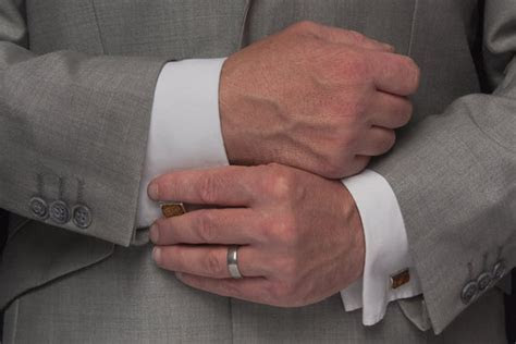 The ring solution for every metrosexual man ? When and how