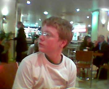 Jonny Lyon at Euston 10am