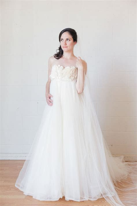 Best 25  Wedding gown rental ideas on Pinterest   Floral
