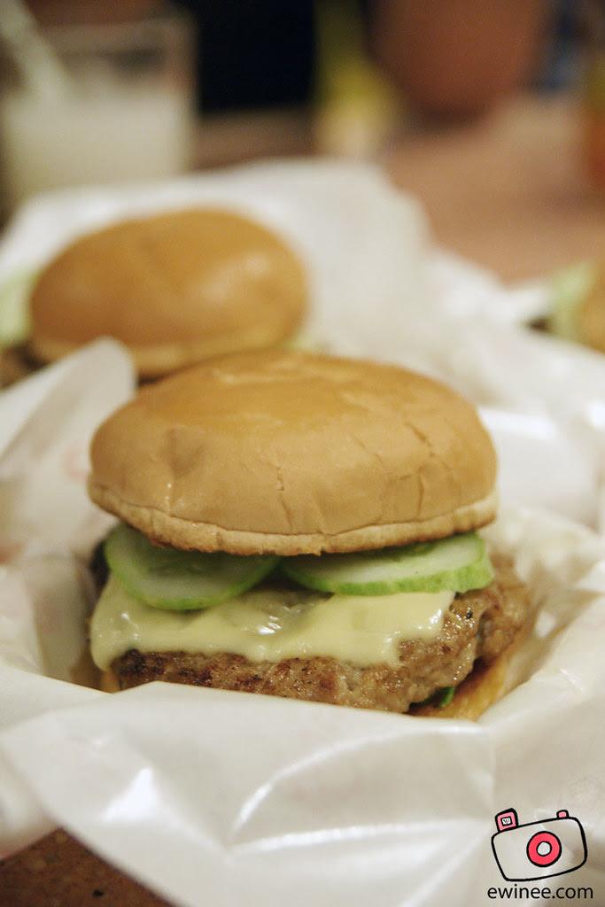 Burger-BABI-pork-burger-Ming-Tien-taman-Megah-2