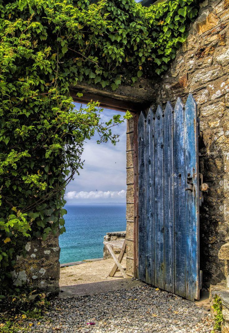 Znalezione obrazy dla zapytania beautiful doors