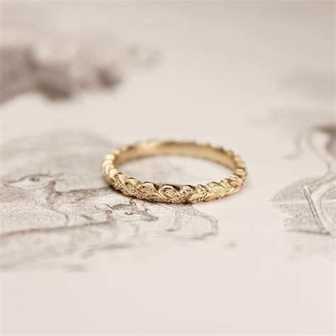 18ct gold 2mm laurel leaf   baubles   Engraved wedding