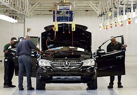 Mercedes offers buyouts to all Alabama workers