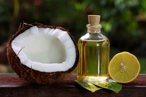 Coconut Oil use to Get Rid of Dandruff