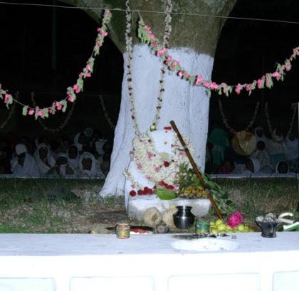 Suthu Kallu with the sacred 'Bugiri'