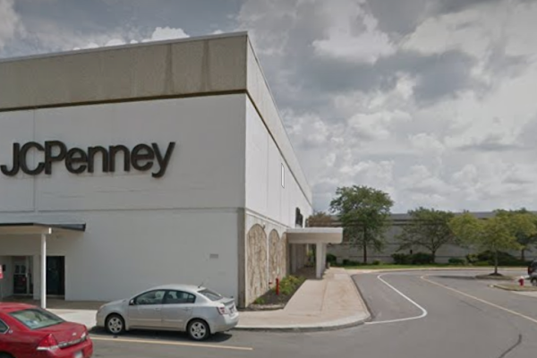 b1d310182 Lorain County JCPenney announces Midway Mall store will be closing Courtney  Shaw 4 06 PM