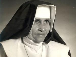 Irmã Dulce foi beatificada após avaliação de um milagre atribuído a ela. (Foto: Divulgação/ Osid)
