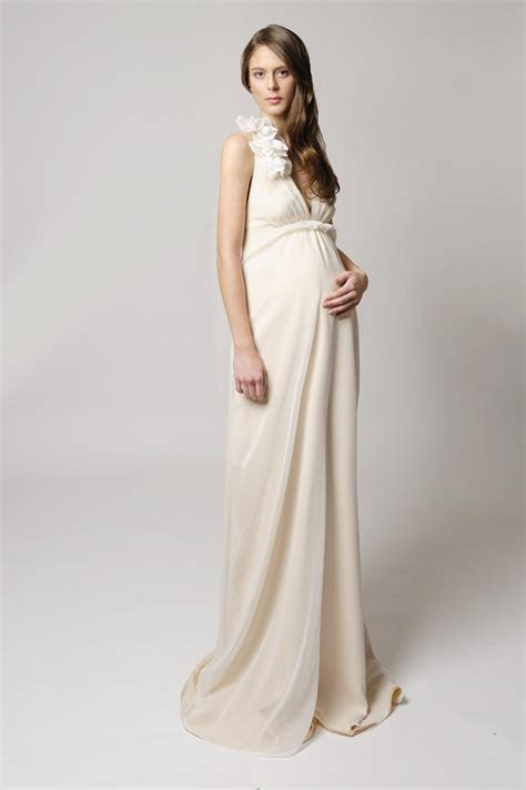 Lace maternity wedding dresses: Pictures ideas, Guide to