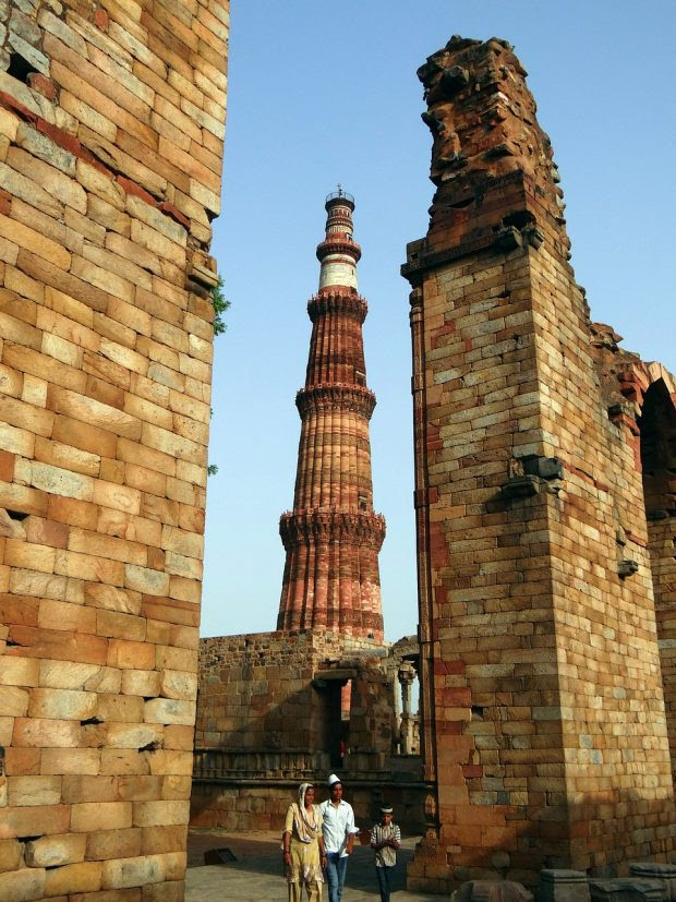Iconic Places in Delhi which are a Must Visit with your College Friends