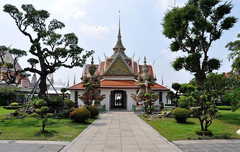 Thailand_Bangkok_Temple_of_the_Dawn_Photo_Credit_D_Ramey_Logan