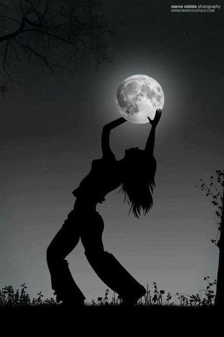 Poèmes De La Lune La Chimère écarlate