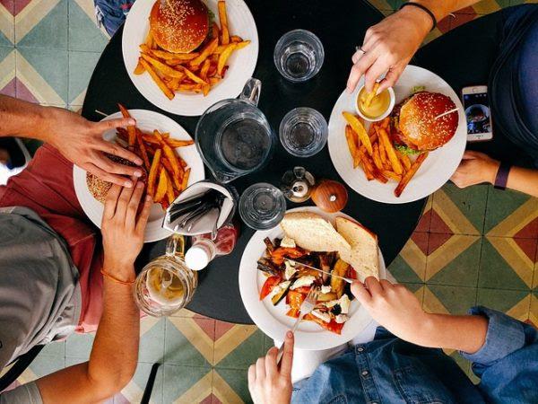 Cómo organizar la cena de empresa con las encuestas de Google
