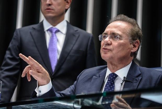 O presidente do Senado, Renan Calheiros (PMDB-AL), durante durante sessão deliberativa extraordinária destinada à votação sobre a prisão do senador Delcídio do Amaral (PT-MS) (Foto: Marcos Oliveira/Agência Senado)