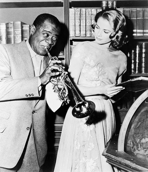 """File:Louis Armstrong and Grace Kelly on the set of """"High Society"""", 1956.jpg"""