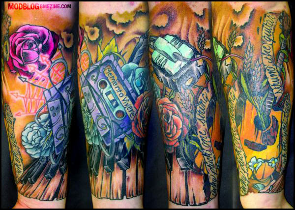 Love the vibrant colour of the above tattoo (mod), this wondferful Memnto