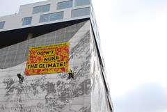 "Banderole ""Don't Nuke the Climate!"" ..."