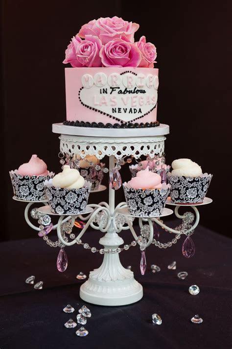 Best 25  Vegas themed wedding ideas on Pinterest   Vegas