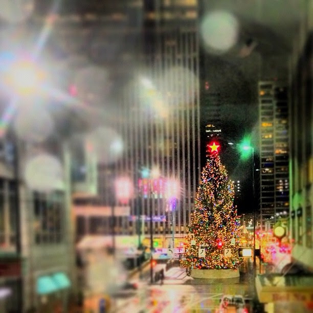 oh Christmas Tree #christmas #fountain #square #downtowncincy #cincinnati #ohio