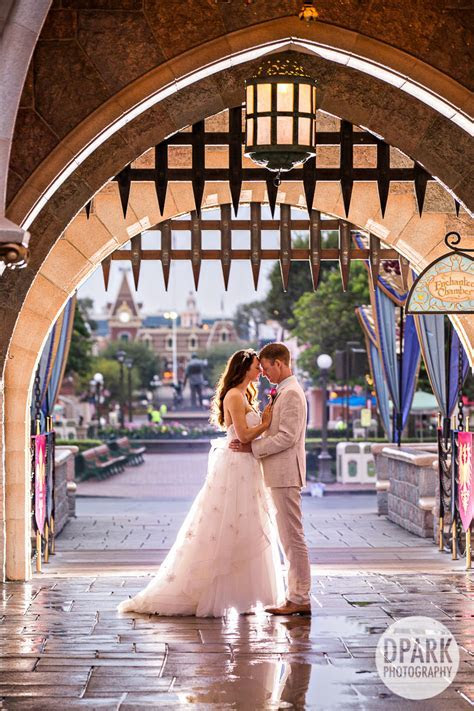 Disneyland Wedding Pictures   Celebrity Destination OC LA