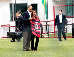 http://s.glbimg.com/es/ge/f/300x230/2011/03/20/obama_patricia_ap.jpg