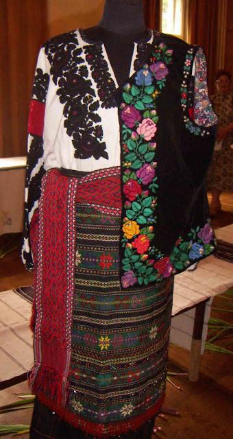 Borshchiv Embroidery, Western Ukraine