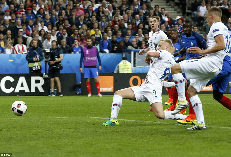 Sigthorsson nipped in front of the French defence to pullone back for England's last-16 conquerors with this close-range finish