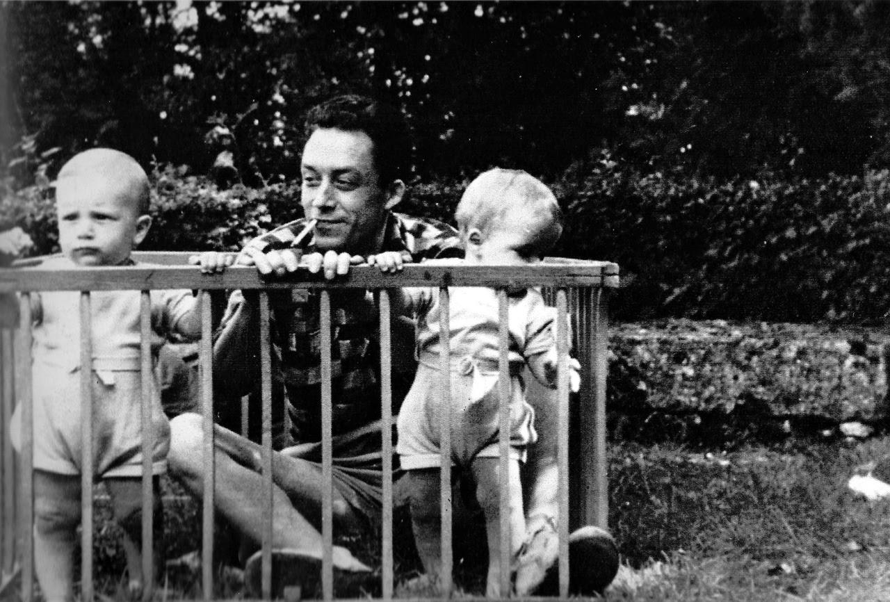 Albert Camus con sus hijos