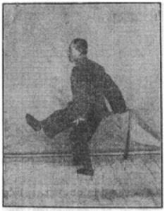 《昆吾劍譜》 李凌霄 (1935) - posture 6
