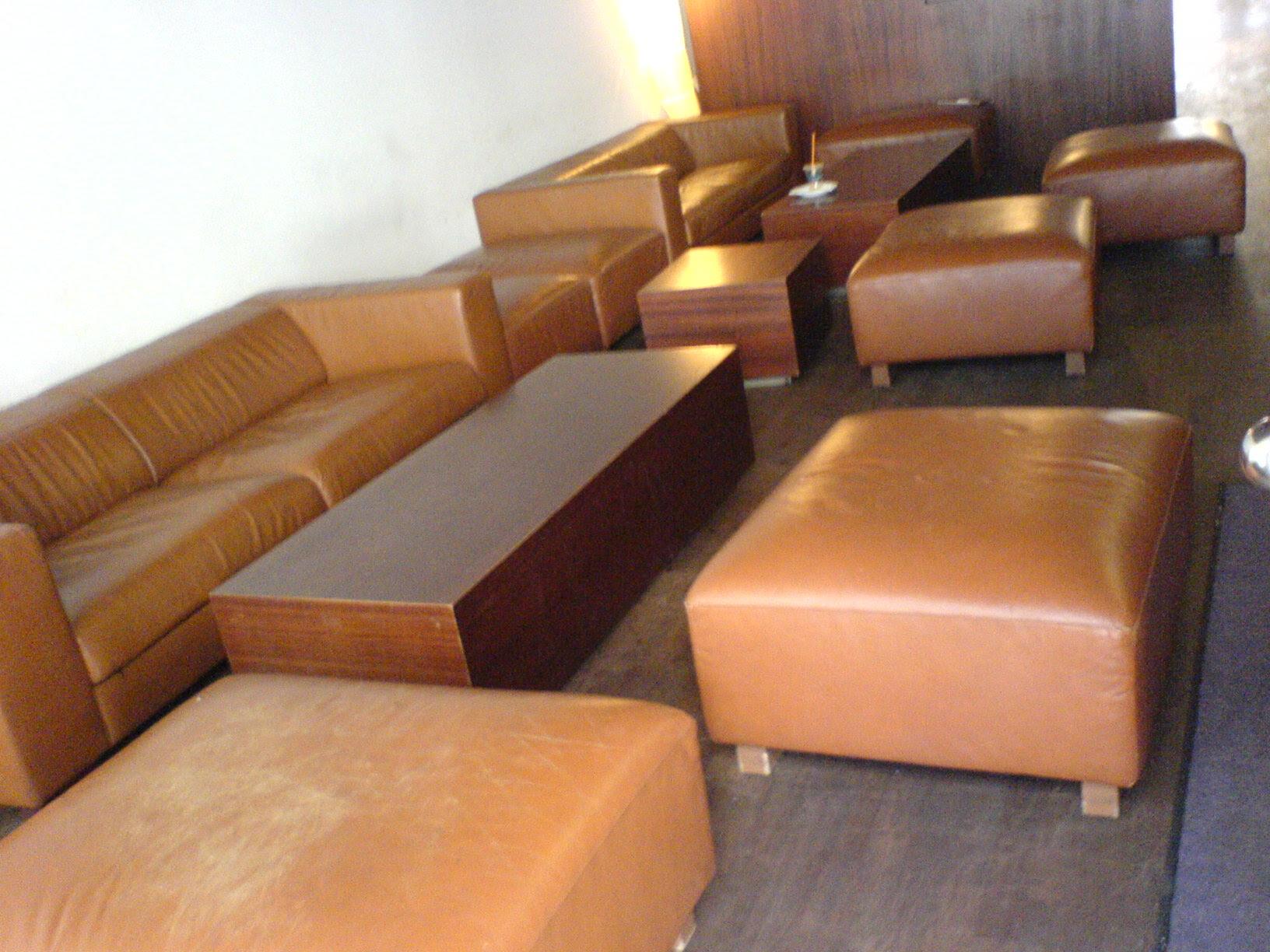 File:Lounge area of theSan Francisco Coffee Company Munich.JPG ...