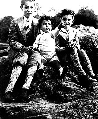 Jonas Salk, age 15, with his brothers, Lee and Herman, ca. 1930. (Courtesy of the family of Jonas Salk)