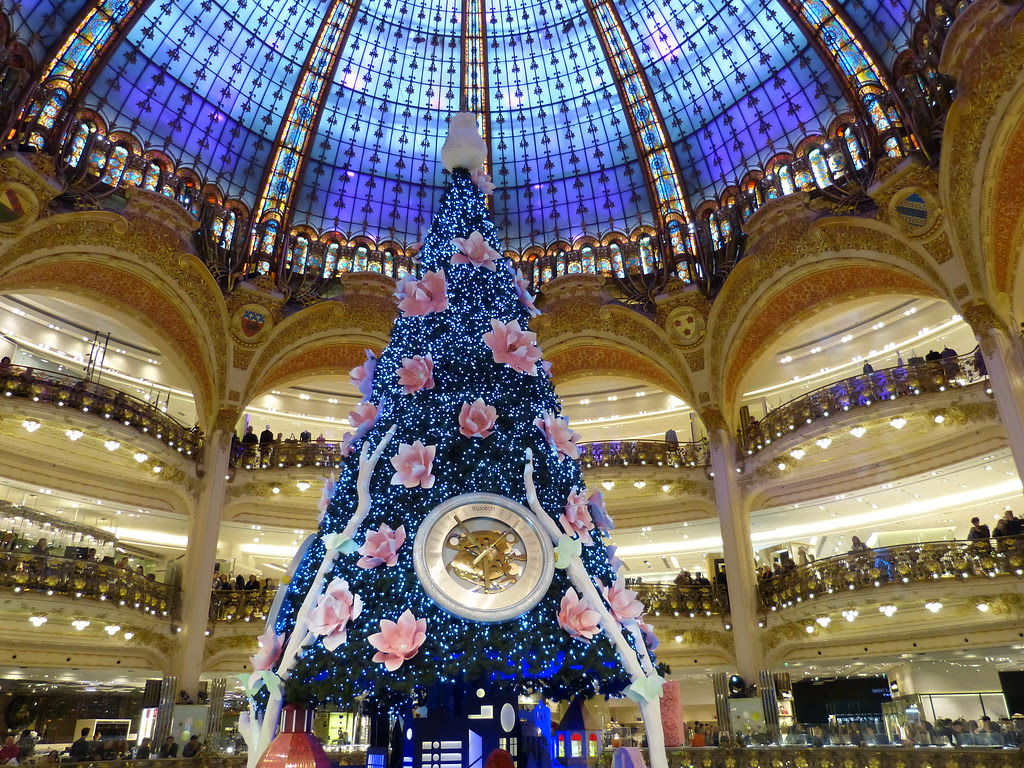 Christmas tree at Galeries LaFayette