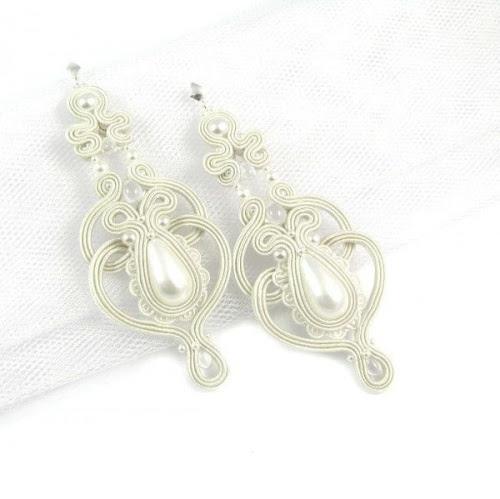 Ślubne kolczyki sutasz z perłami i koronkami