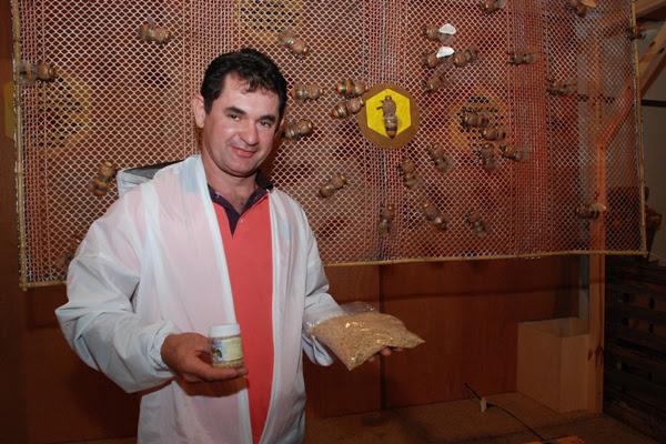 O apicultor Célio Lino é um dos pioneiros no RN na extração de pólen: Agregando valor ao produto