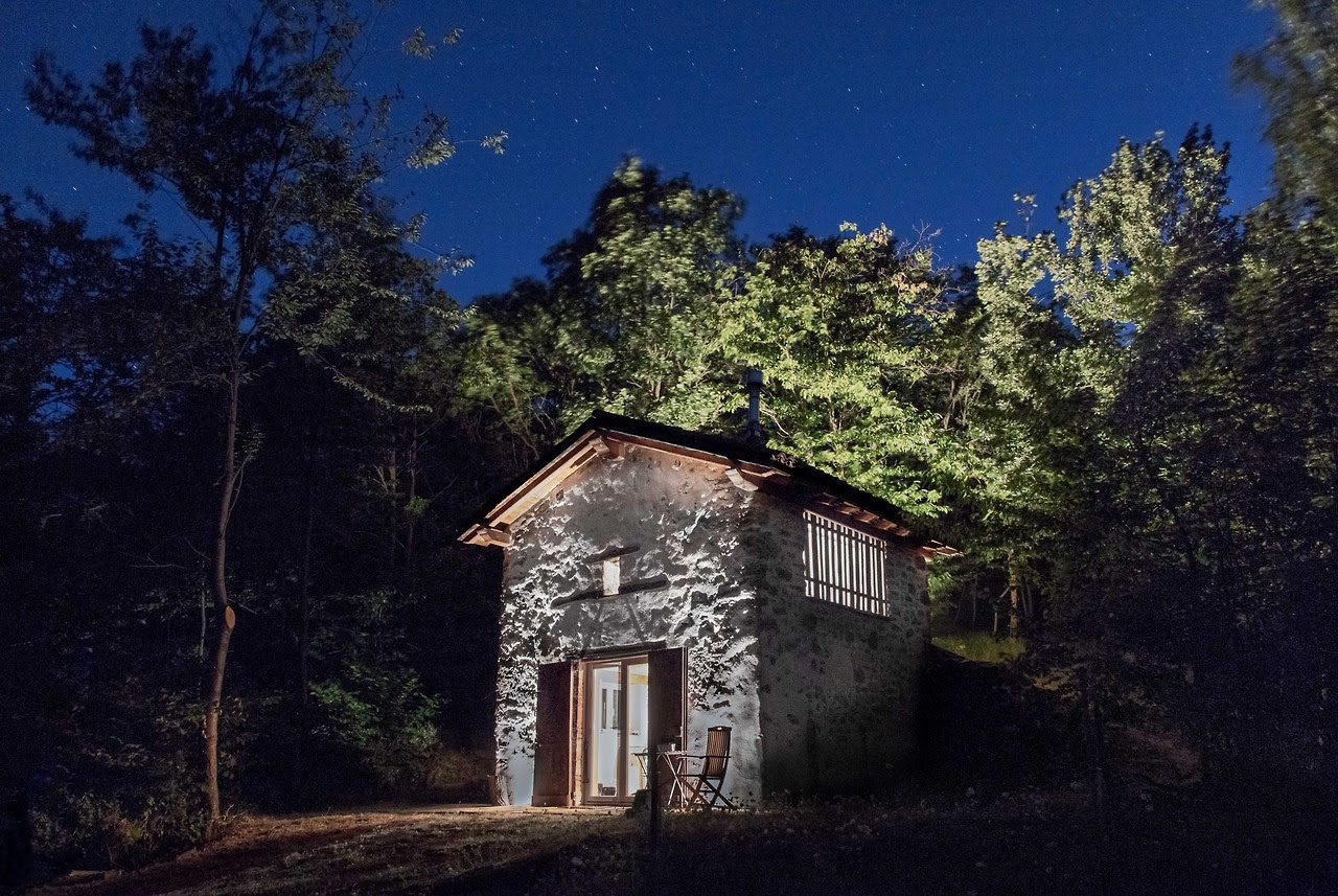 This little house is located in the Bric Tana Regional Natural Park in Liguria, Italy. It was used since 19th century to dry chestnuts, very common in the area. When we decide to rebuild the house, as it was a ruin. We wanted to keep it as faithful...