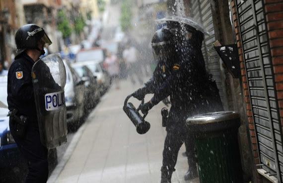 Resultat d'imatges de ariete policia
