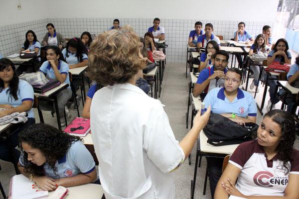 O RN atingiu, pelos dados do Ideb, as seguintes notas: ensino fundamental, a média nos anos iniciais foi de 4.1 e nos finais 3.4. O ensino médio teve o pior desempenho: 3.1