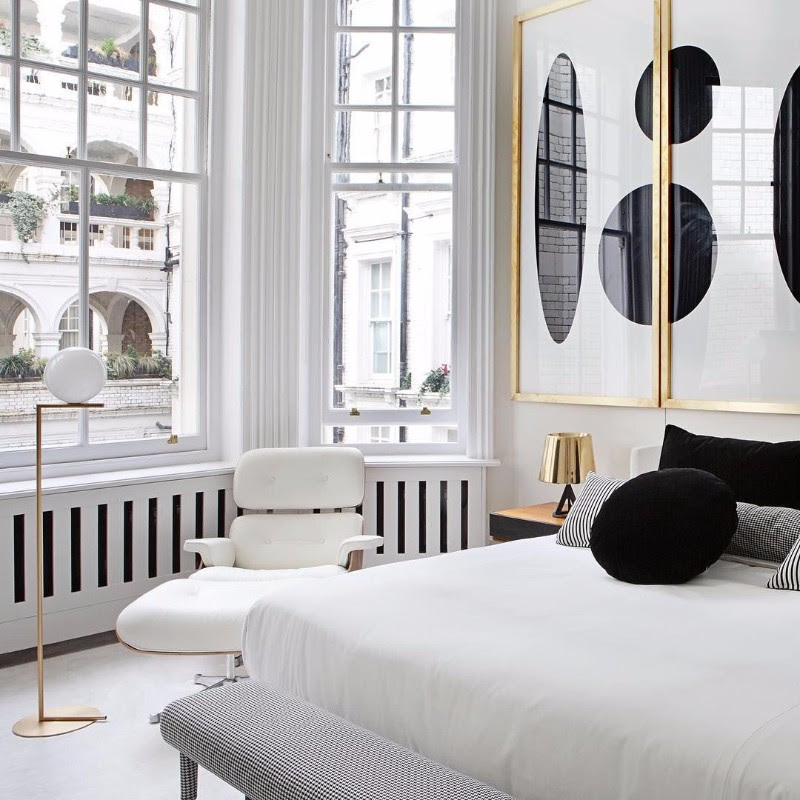 How To Decorate Your Room In Black And White - Master ...
