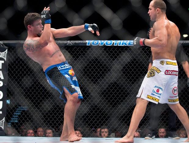 UFC146 junior cigano frank mir (Foto: Agência AP)