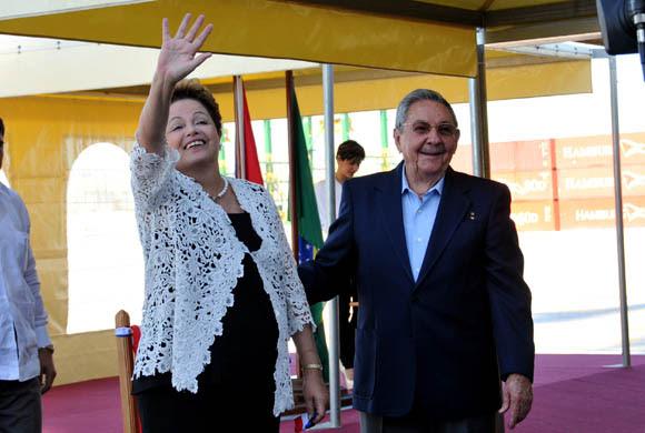 El gobierno cubano muestra su apoyo a Dilma Rousseff. Foto: Ismael Francisco/ Cubadebate/ Archivo.