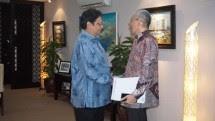 Menperin Airlangga Hartarto bersama Deputi GM    Genting Oil Natuna Pte. Ltd Wandy Wanto (Foto: Dok. INDUSTRY.co.id)