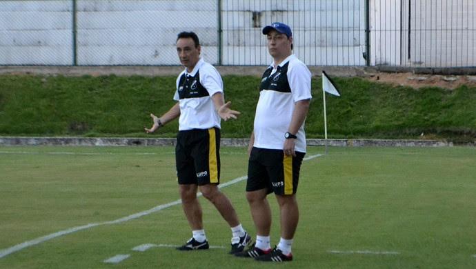 Roberto Fonseca, técnico do ABC (Foto: Jocaff Souza/GloboEsporte.com)