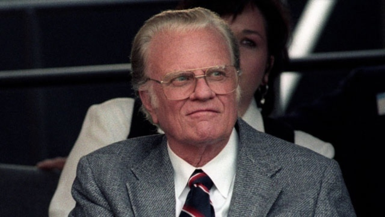 Billy Graham dies at
