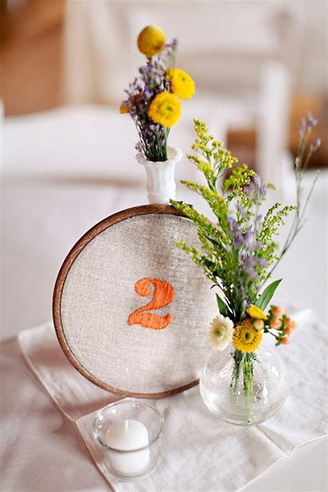 25 Unique Embroidery Hoops Boho Wedding Decor Ideas   Deer