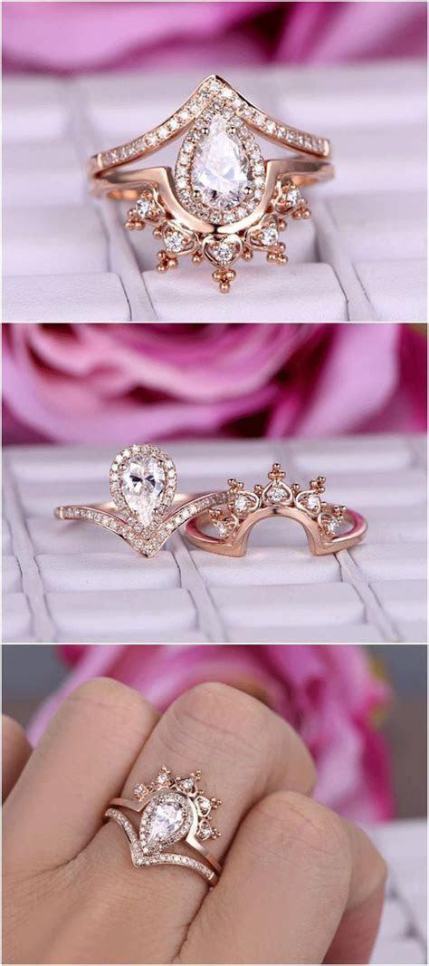 Best 25  Gold crown ideas on Pinterest   Diy tiara, Crowns