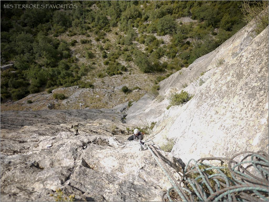 DIEDRO SAJUMA 190 m 6A+ - PEÑA SOLANO - ESCARRILLA