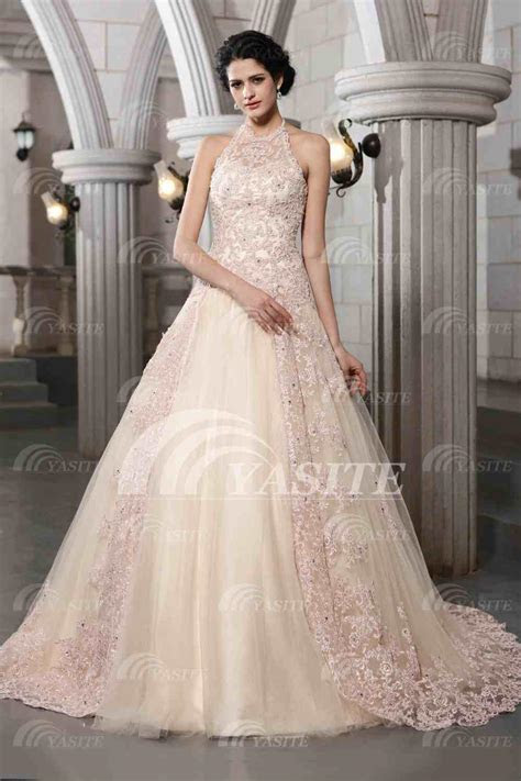 Vintage Halter Ball Gown Bridal Gowns Lace Appliques