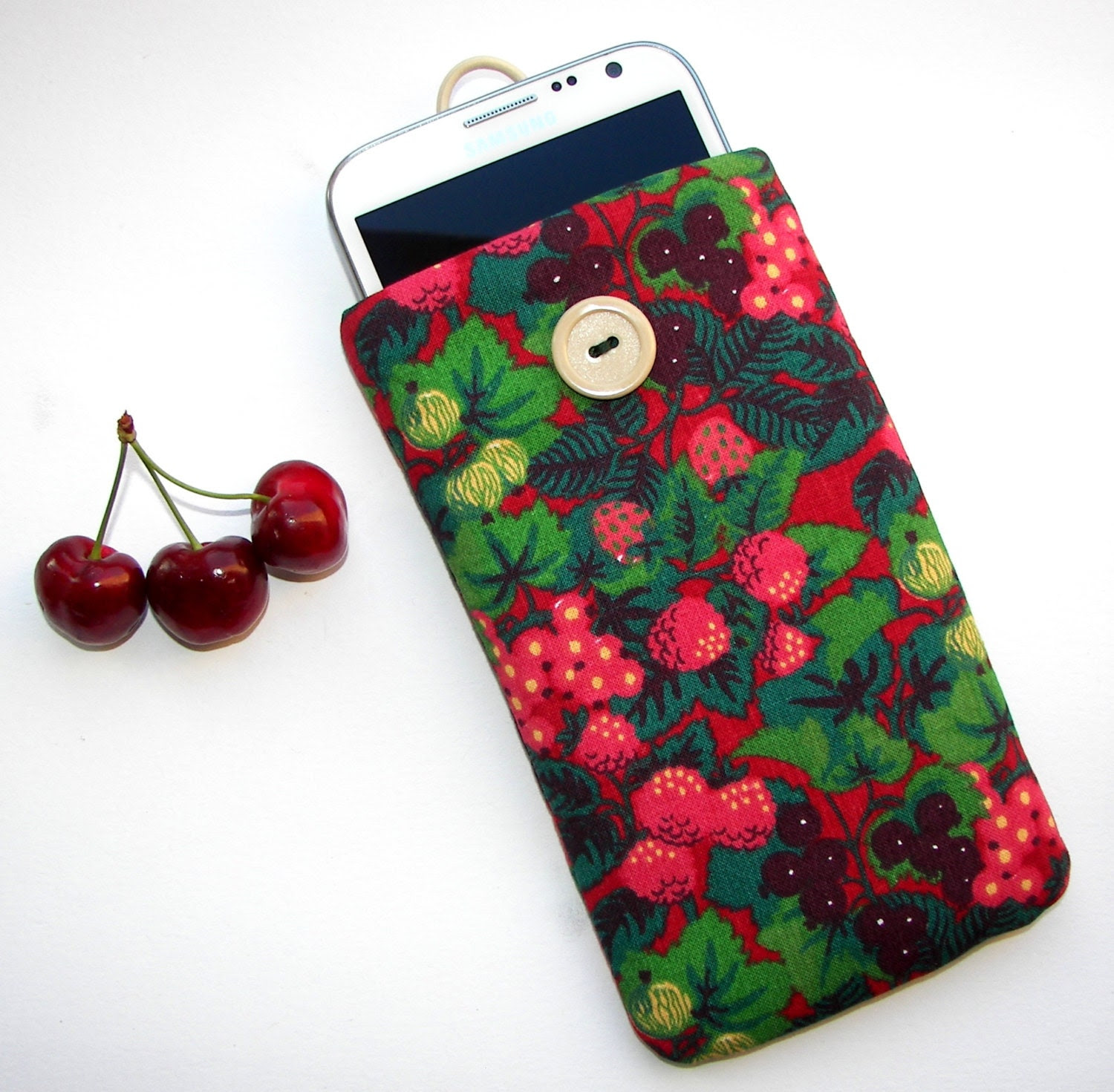 iPhone 4/ 4s/ 5 cover case sleeve pouch berries forest fruit pattern cell phone cozy, padded cover - BlackCherriesShop