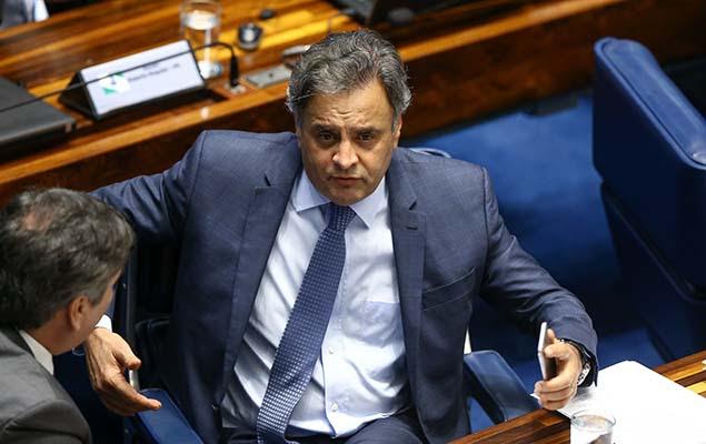 Senador Aécio Neves (PSDB-MG), deve ser afastado do cargo a pedido do STF, durante sessão do Senado, em Brasília, nesta terça