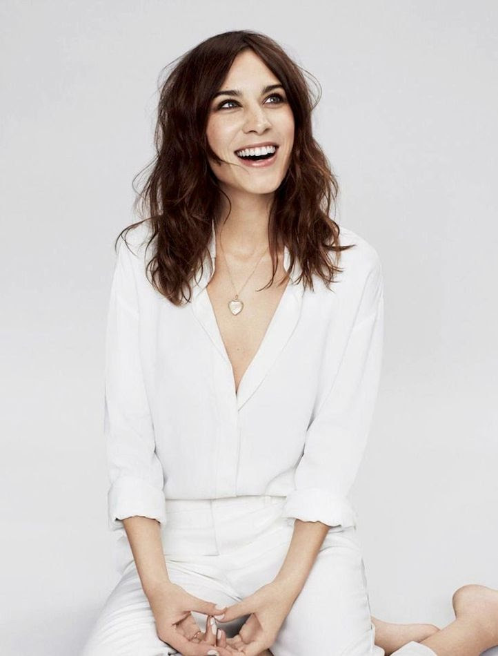 Le Fashion Blog Alexa Chung Wavy Hair White On White Look Heart Locket Necklace Nude Nails Glamour UK photo Le-Fashion-Blog-Alexa-Chung-Wavy-Hair-White-On-White-Look-Heart-Locket-Necklace-Nude-Nails-Glamour-UK.jpg