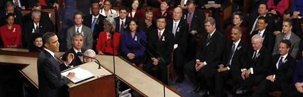 Parlamentares assistem ao discurso de Obama nesta terça-feira (25).